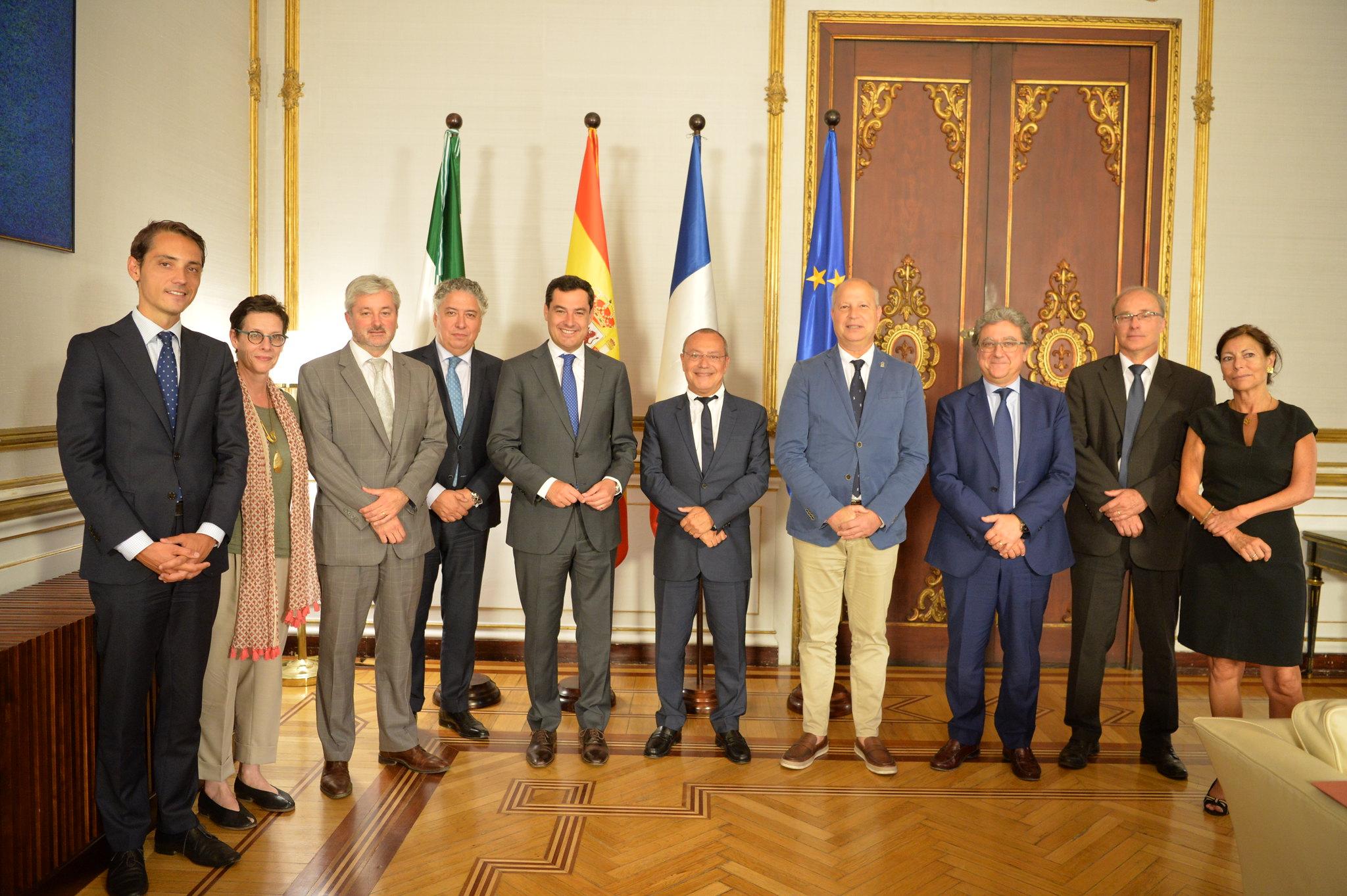 2019-06-26. Junta de Andalucía. El presidente Moreno recibe al embajador de Francia Jean-Michel Casa